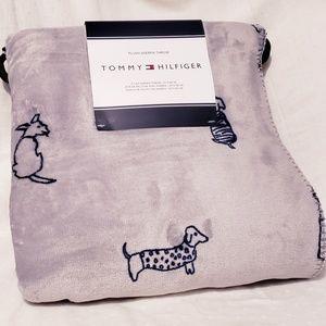 Tommy Hilfiger Doggie Plush Sherpa Blanket